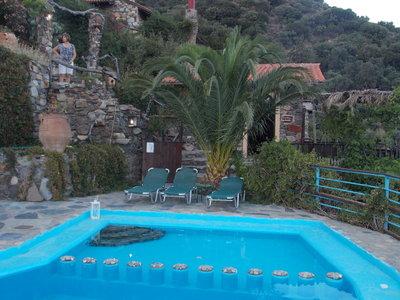 Gîtes crétois traditionnels avec vue, sur les hauteurs du village - VELANOS