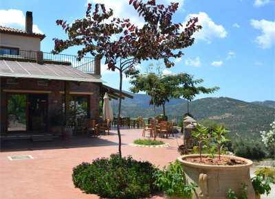 A lovely small hotel in nature, COUNTRY HOTEL VELANI