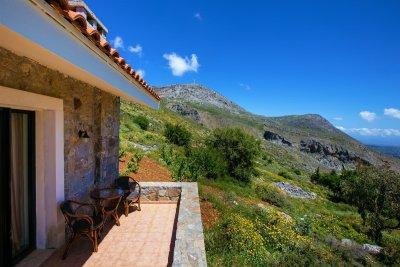 Gîtes dans un paysage de montagne avec vue spectaculaire - AETOVIGLA